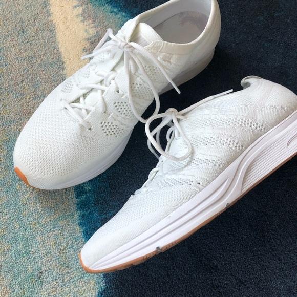 outlet store c21d0 fb995 Nike • Flyknit Trainer Unisex Shoe. M 5b6cdd34e9ec89a16ce9b6ec